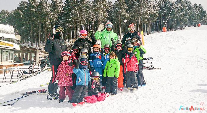 cursos-de-esqui-para-ninos-familias-activas-blog-de-viajes-3-2