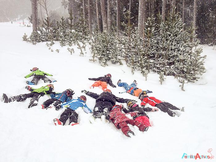 cursos-de-esqui-para-ninos-familias-activas-blog-de-viajes