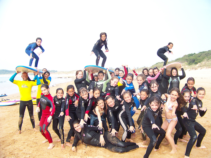 surf-para-ninos-familias-activas-escuela-cantabra-de-surf-sorteo-curso-de-surf-9