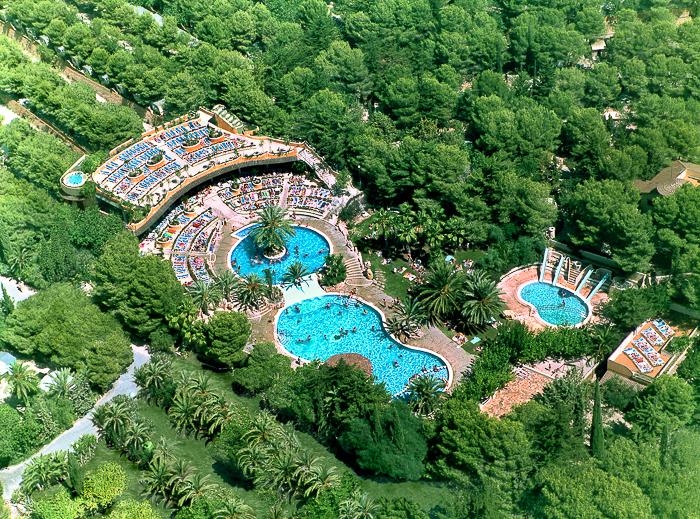 Campings de tarragona en familia por la costa daurada y for Camping con piscina climatizada en tarragona