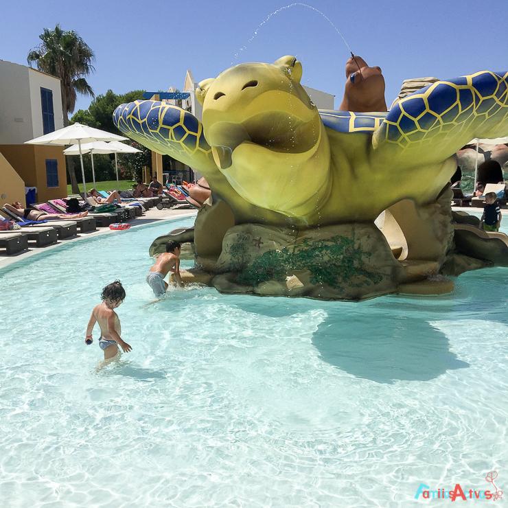 Vacaciones en familia en el aparthotel paradise club spa for Pulpo para piscina