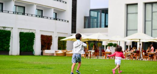 hotel-para-familias-cinco-estrellas-Dolce-Sitges-Familias-Activas-43