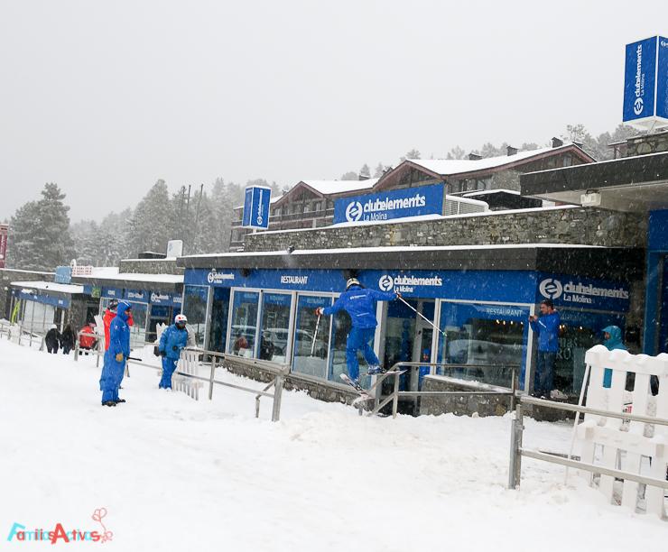 esquiar-en-la-molina-actividades-para-familias-clubelements-cursos-de-esqui-para-ninos-14