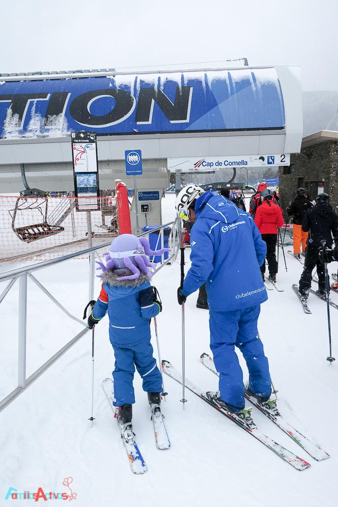 esquiar-en-la-molina-actividades-para-familias-clubelements-cursos-de-esqui-para-ninos-4