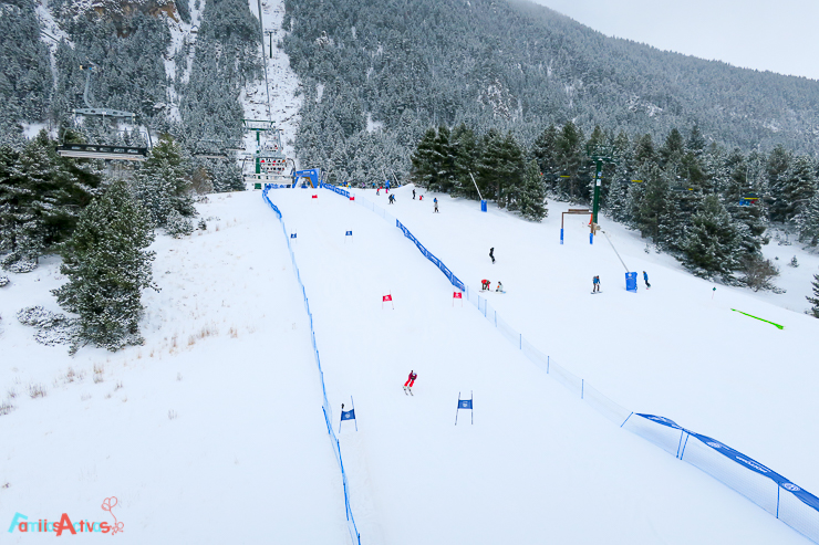 esquiar-en-la-molina-actividades-para-familias-clubelements-cursos-de-esqui-para-ninos-6