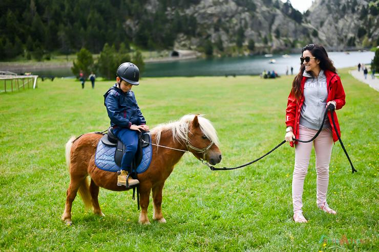disfrutando-en-familia-en-vall-de-nuria-lavalldelsmenuts-blog-de-viajes-para-familias-activas-58