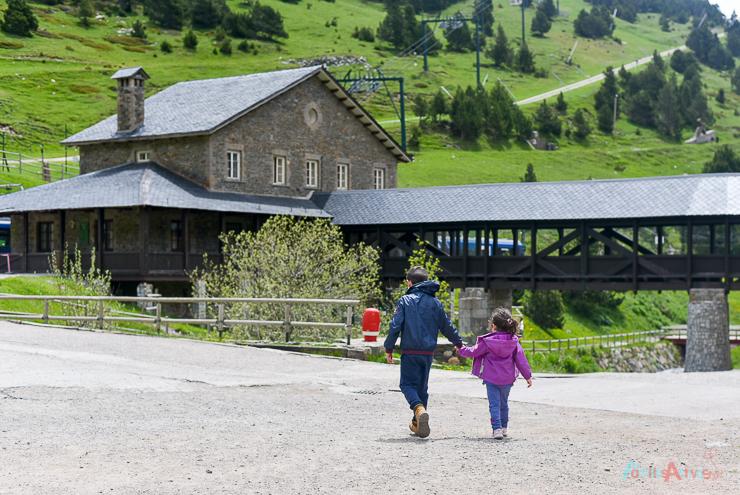 disfrutando-en-familia-en-vall-de-nuria-lavalldelsmenuts-blog-de-viajes-para-familias-activas-61