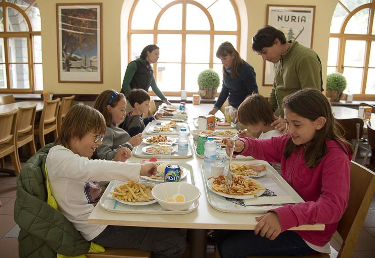 fiesta-infantil-en-vall-de-nuria-la-vall-dels-menuts-el-valle-de-los-pequenos-familiasactivas-planes-con-ninos-21
