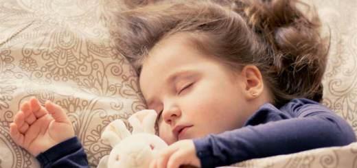 Consejos para aliviar el jet lag en los niños