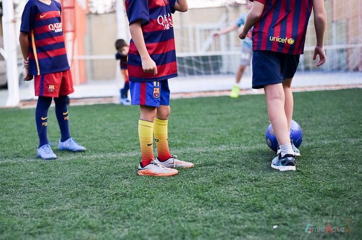 cumpleanos-infantil-en-el-campo-de-futbol-de-maddock-sport-con-party-fiesta-16