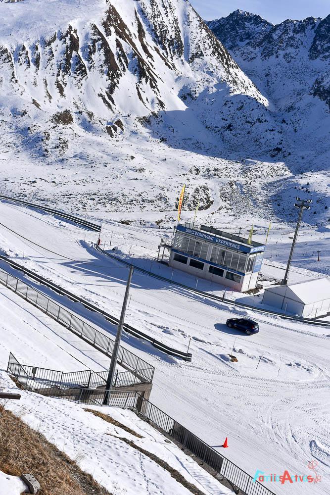 curso-de-conduccion-en-la-nieve-blogfamiliasactivas-13