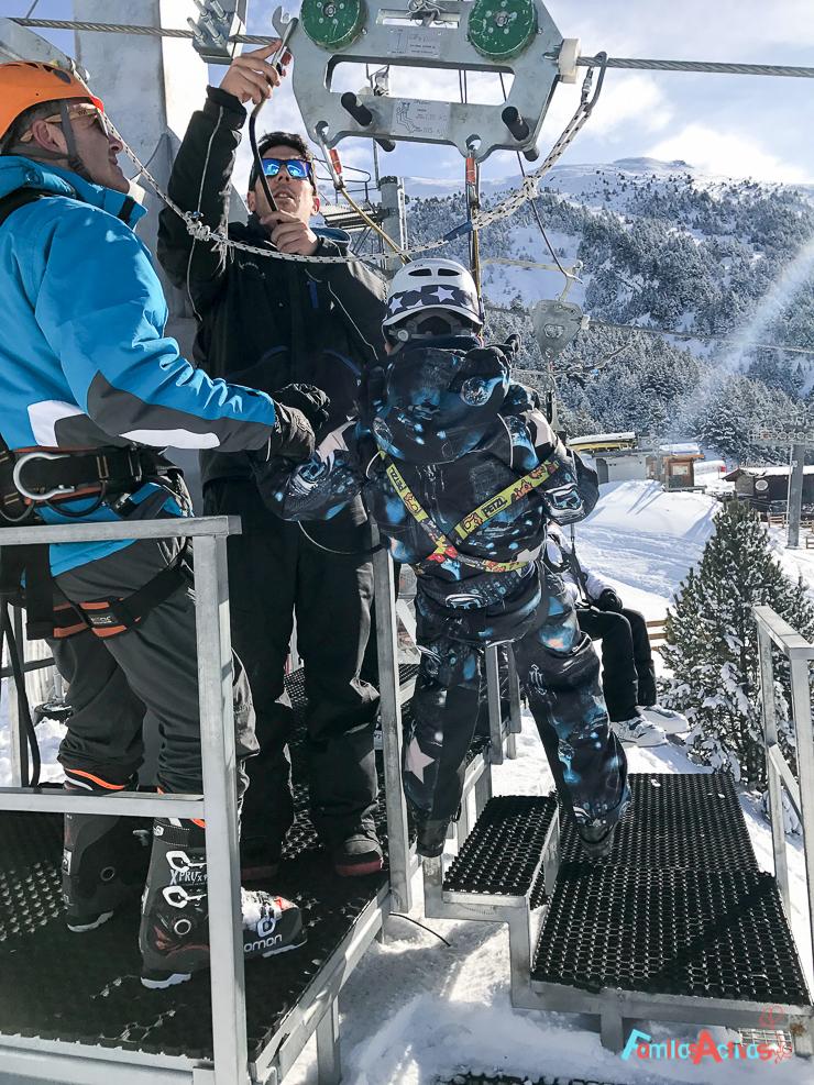 esquiar-con-ninos-programa-infanti-mont-magic-en-grandvalira-25