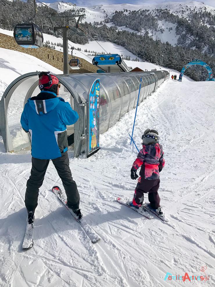 esquiar-con-ninos-programa-infanti-mont-magic-en-grandvalira-30