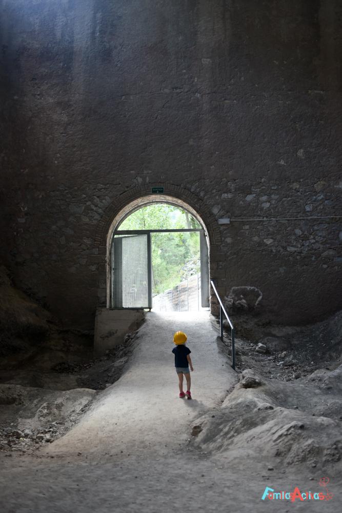 excursion-con-ninos-en-el-tren-del-ciment-FamiliasActivas-53