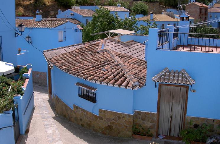 Las casas pintadas de azul se han convertido en todo un reclamo turístico.