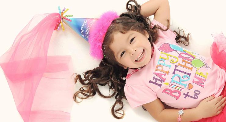 celebrar cumpleaños