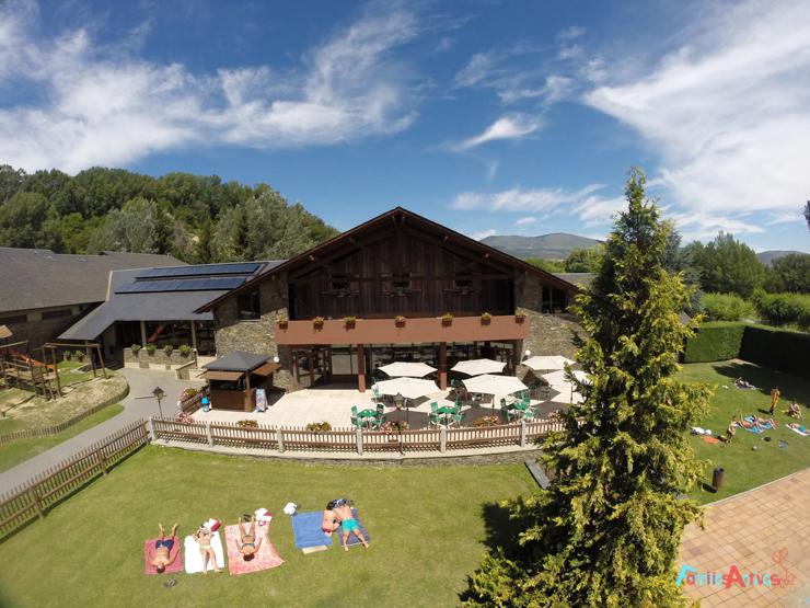 vivimos-la-naturaleza-en-familia-en-los-campings-de-montana-6
