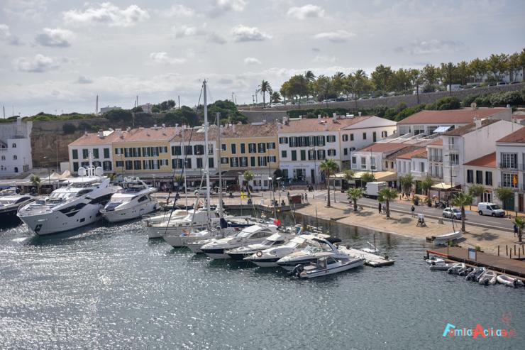 vacaciones-en-barco-de-trasmediterranea-viajarenfamilia-9