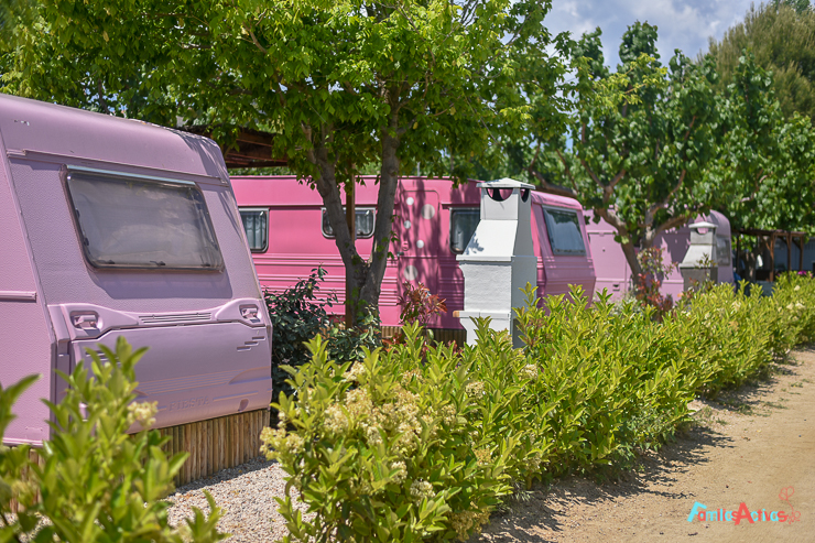camping-miramar-caravanas-vintage-para-disfrutar-en-familia-15