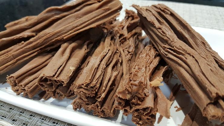 El chocolate en rama es una de las especialidades de las chocolaterías de Bariloche.