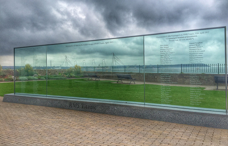 El Titanic Memorial Garden se encuentra a unos veinte minutos a pie del centro de Cobh.