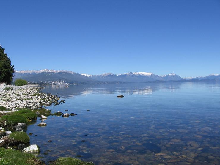 El lago Nahuel Huapi es una de las superficies lacustres más visitadas de Argentina.
