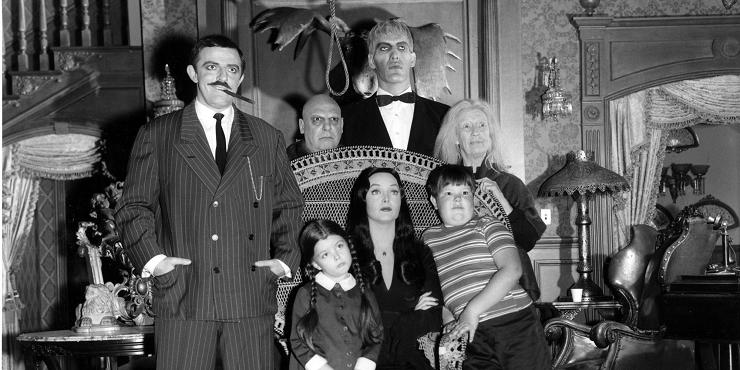 La familia Addams se dio a conocer en la edad de oro de la televisión norteamericana.