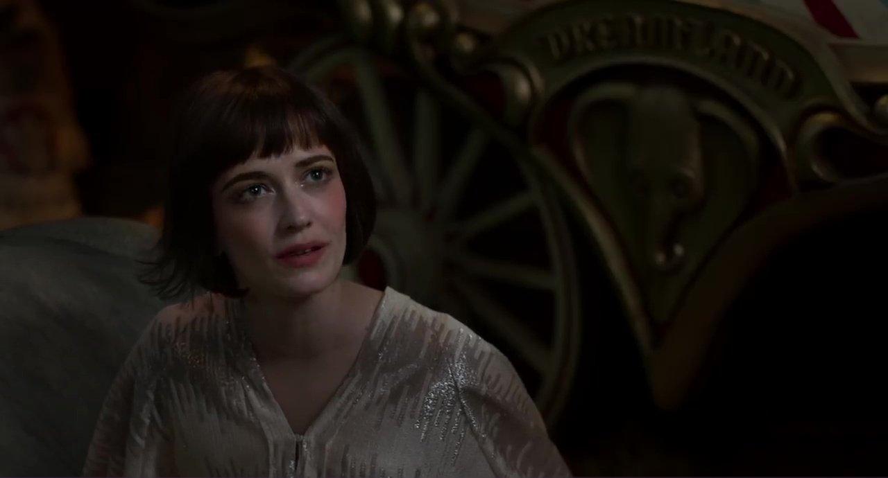 Tim Burton se reencuentra con actores como Eva Green y Michael Keaton en esta producción.