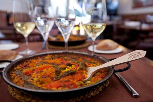 Guía de buenas prácticas para recibir a las familias en los restaurantes de Barcelona