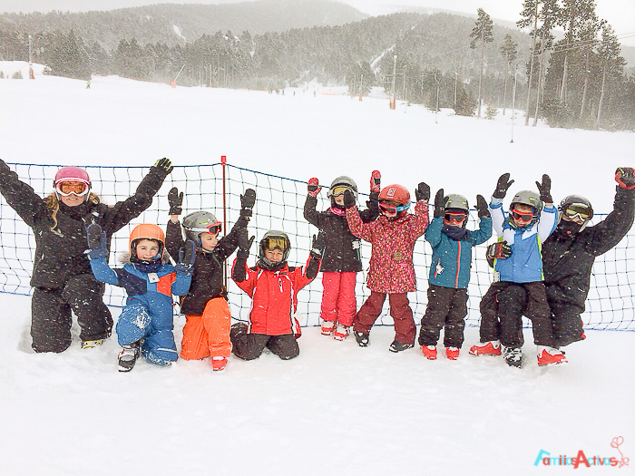 cursos-de-esqui-para-ninos-familias-activas-blog-de-viajes-4