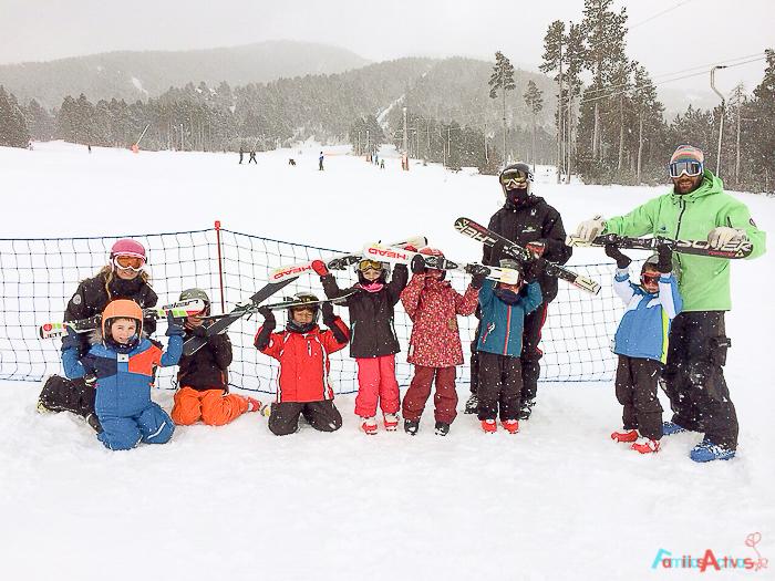 cursos-de-esqui-para-ninos-familias-activas-blog-de-viajes-5