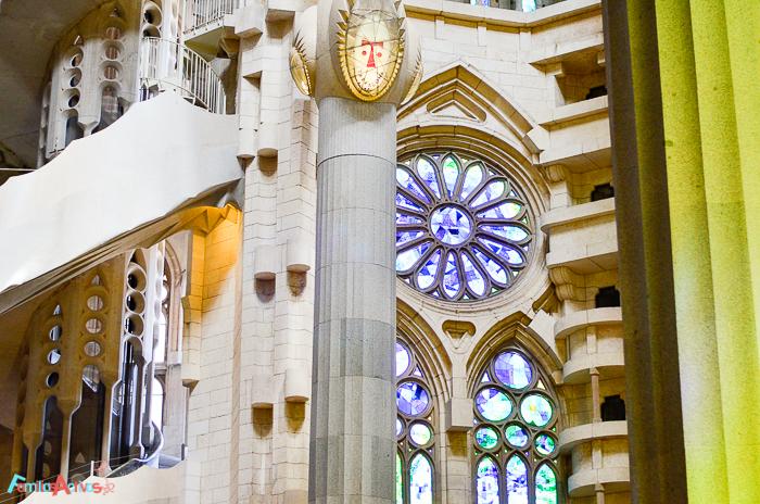 visita-guiada-y-taller-para-ninos-para-conocer-la-sagrada-familia-de-barcelona-10