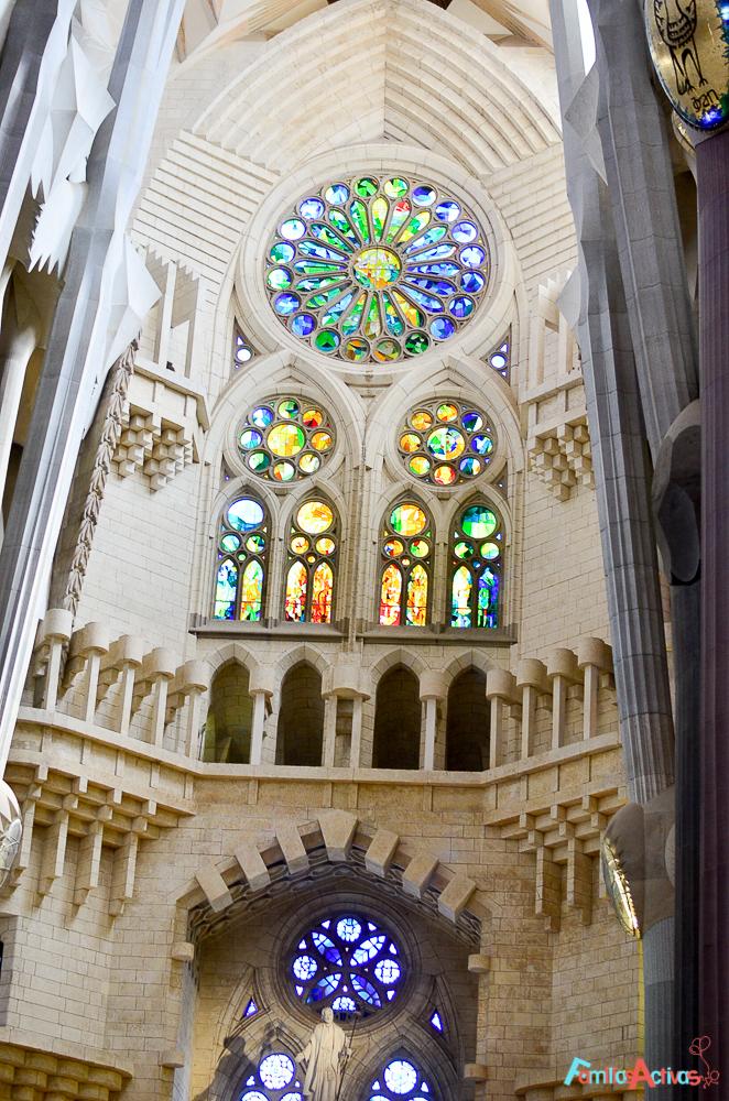 visita-guiada-y-taller-para-ninos-para-conocer-la-sagrada-familia-de-barcelona-15