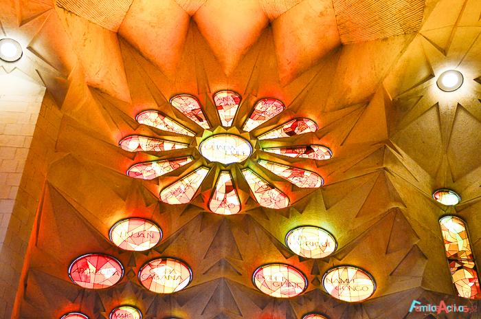 visita-guiada-y-taller-para-ninos-para-conocer-la-sagrada-familia-de-barcelona-5