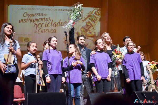 Concierto de la Orquesta de Instrumentos Reciclados de Cateura