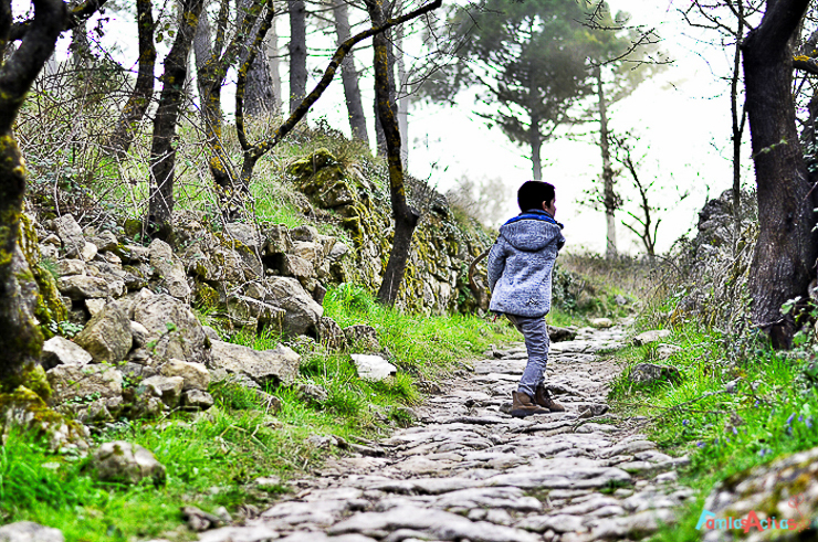 La Mussara pueblo abandonado y magico Muntanyes de Prades Destino turismo familiar-2
