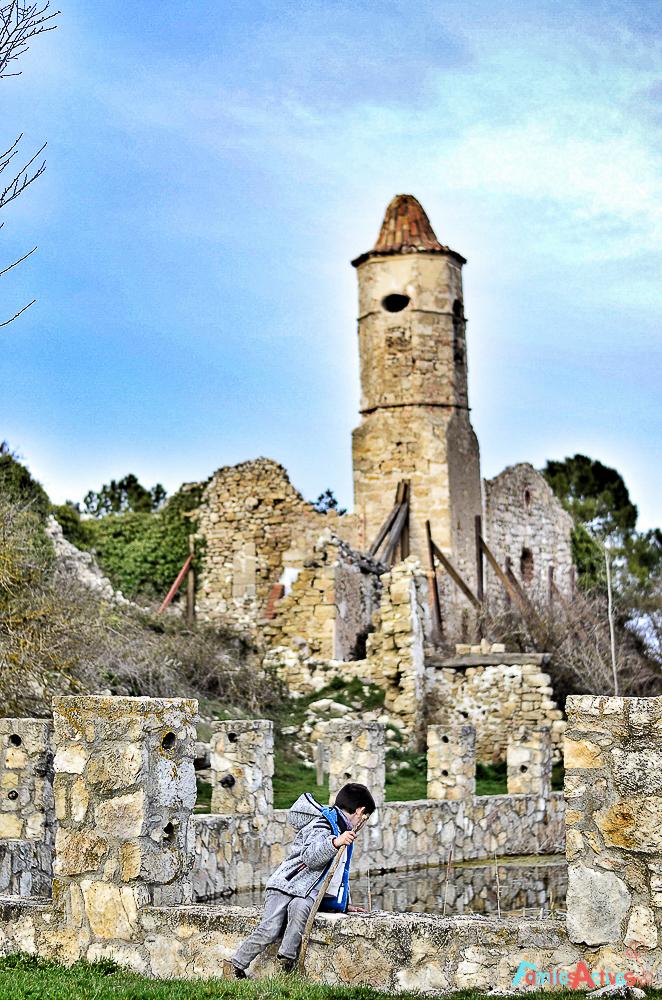 La Mussara pueblo abandonado y magico Muntanyes de Prades Destino turismo familiar-4