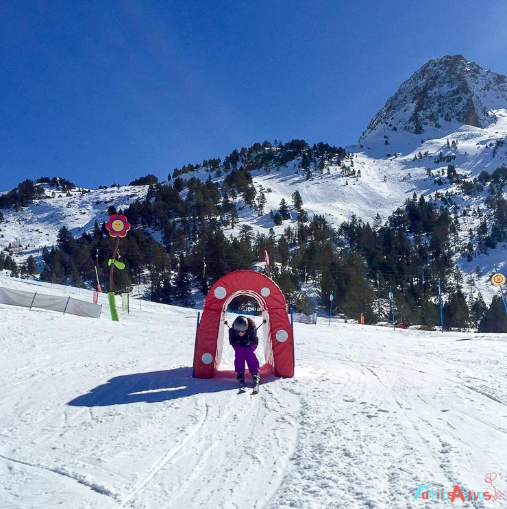 grandvalira-una-estacion-de-esqui-para-familias-activas-27