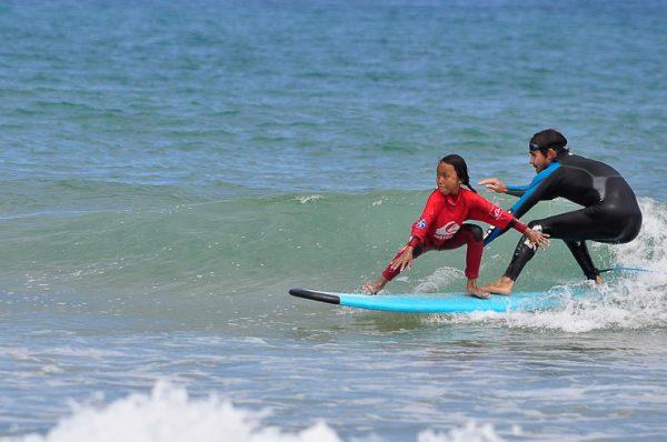 Gana un curso de surf para dos personas en la Escuela Cantabra de Surf