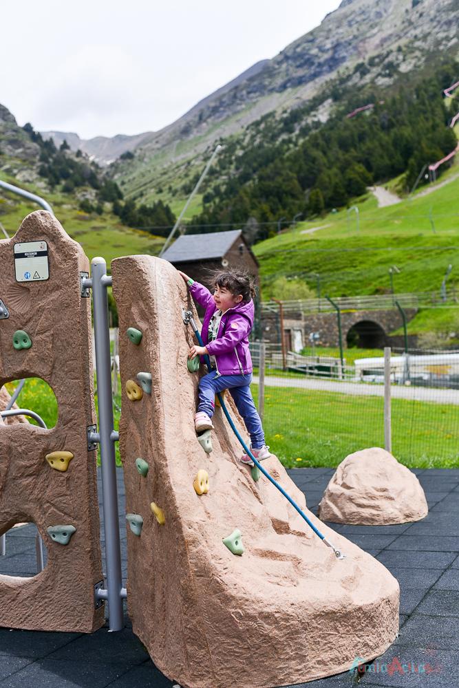 disfrutando-en-familia-en-vall-de-nuria-lavalldelsmenuts-blog-de-viajes-para-familias-activas-60