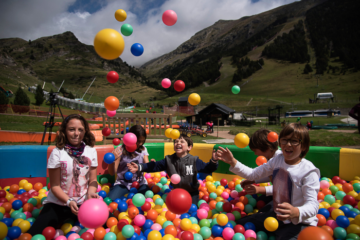 fiesta-infantil-en-vall-de-nuria-la-vall-dels-menuts-el-valle-de-los-pequenos-familiasactivas-planes-con-ninos-16