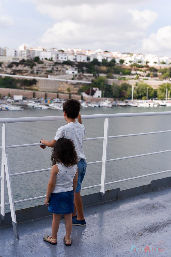 nuestra-experiencia-como-familia-viajera-en-trasmediterranea-blog-de-viajes-familias-activas-11
