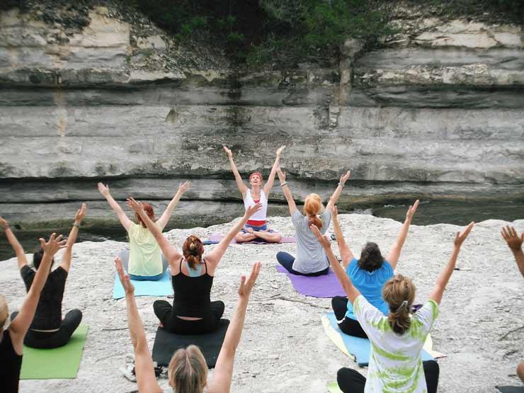 Escuelas de yoga para familias en Barcelona