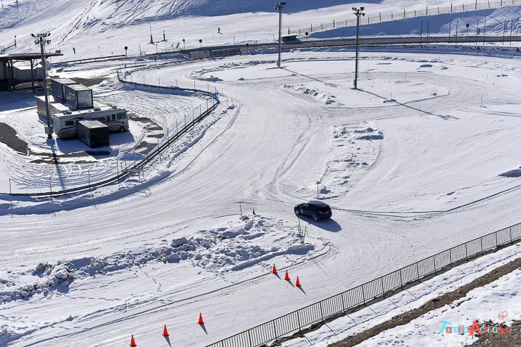 curso-de-conduccion-en-la-nieve-blogfamiliasactivas-10