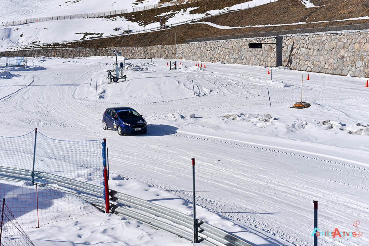 curso-de-conduccion-en-la-nieve-blogfamiliasactivas-2