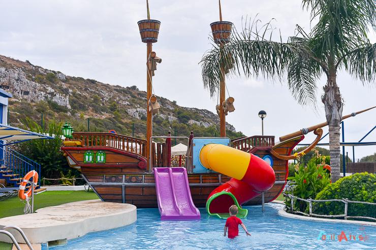 aparthotel-royal-son-bou-family-club-en-menorca-FamiliasActivas-56
