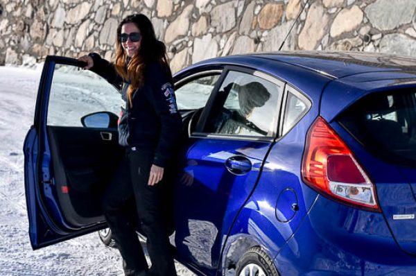 Curso de conducción en la nieve, imprescindible para familias
