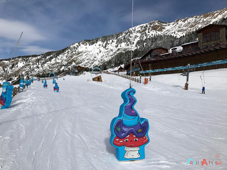 esquiar-con-ninos-programa-infanti-mont-magic-en-grandvalira-29