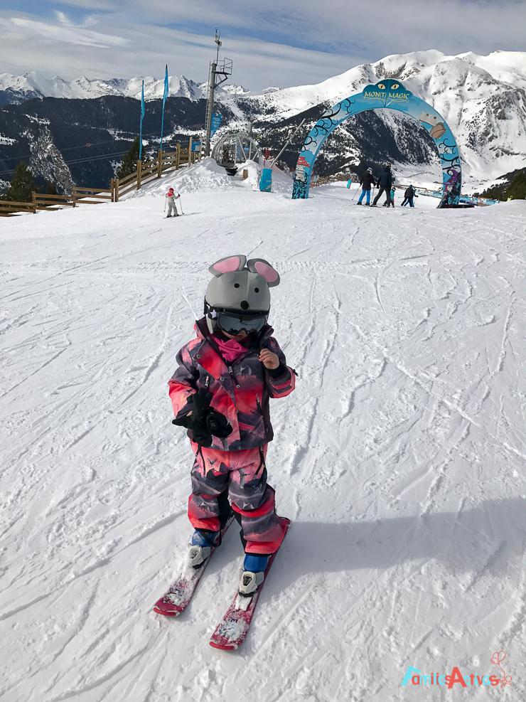 esquiar-con-ninos-programa-infanti-mont-magic-en-grandvalira-31