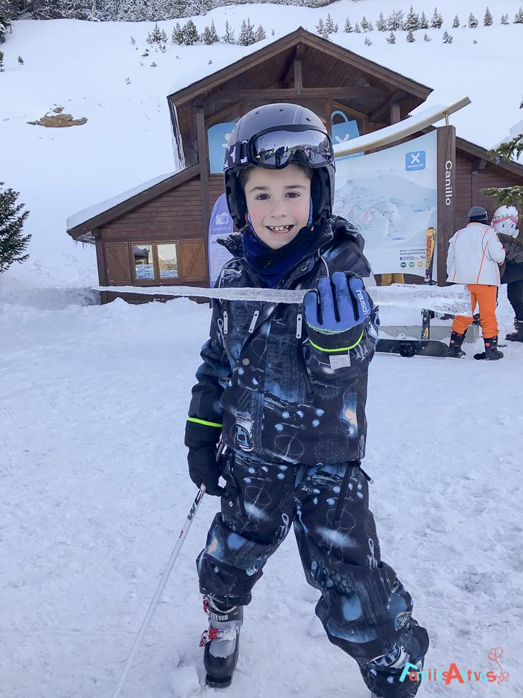 esquiar-con-ninos-programa-infanti-mont-magic-en-grandvalira-8